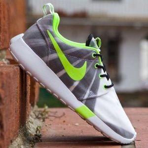 "NIKE💕ROSHERUN FV QS ""PULSO FORTE Rosche Sneakers"